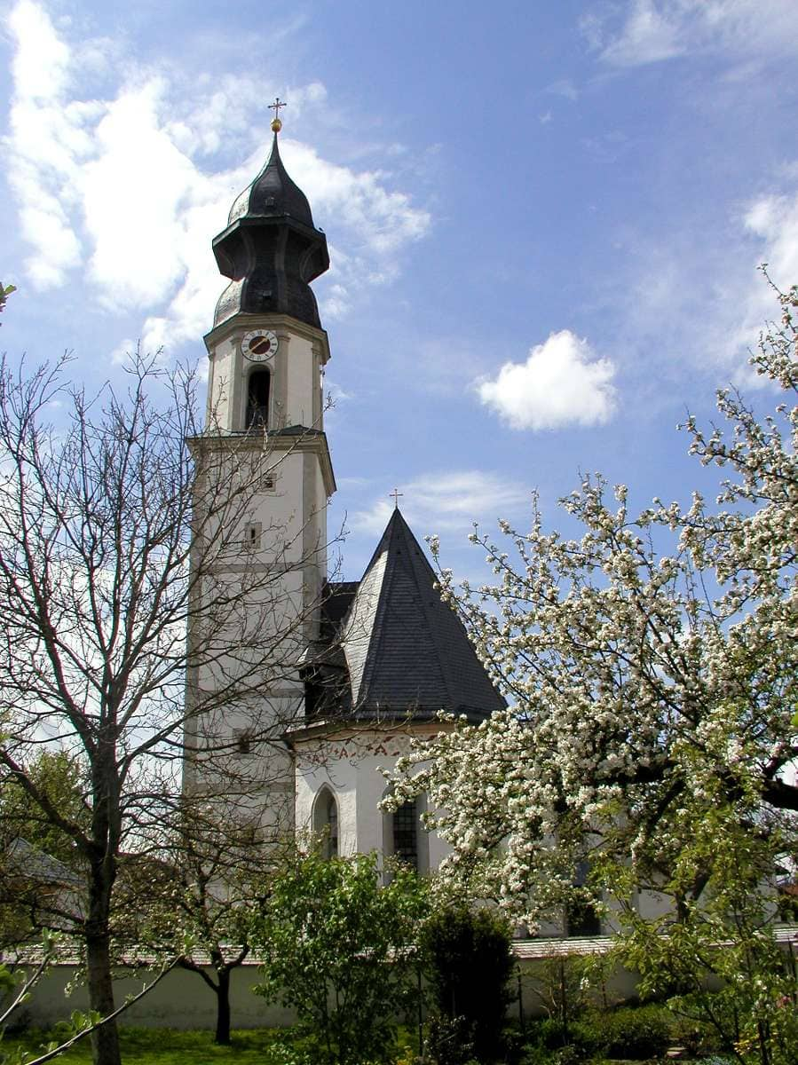Söchtenau Kirche-Blüten